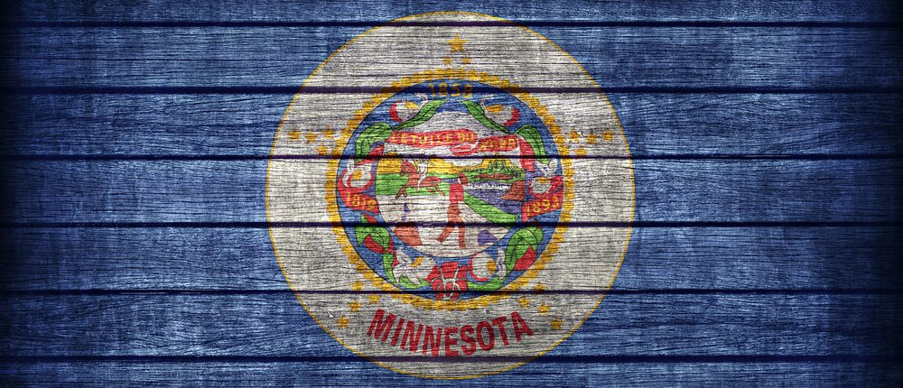 Minnesota flag (Photo: Shutterstock)