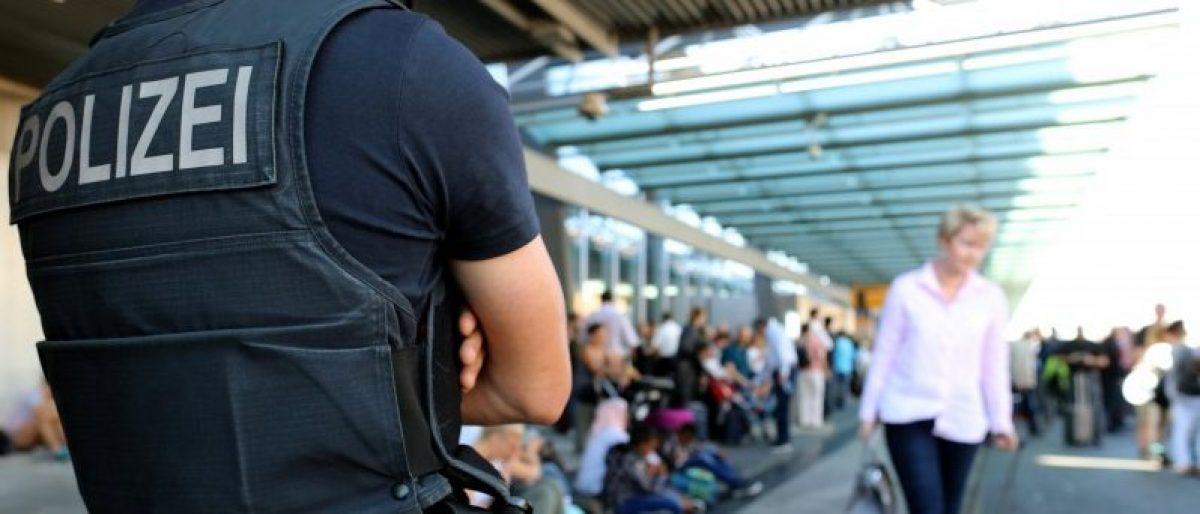 Police secures a Frankfurt airport terminal after Terminal 1 departure hall was evacuated in Frankfurt, Germany, August 31, 2016. REUTERS/Alex Kraus