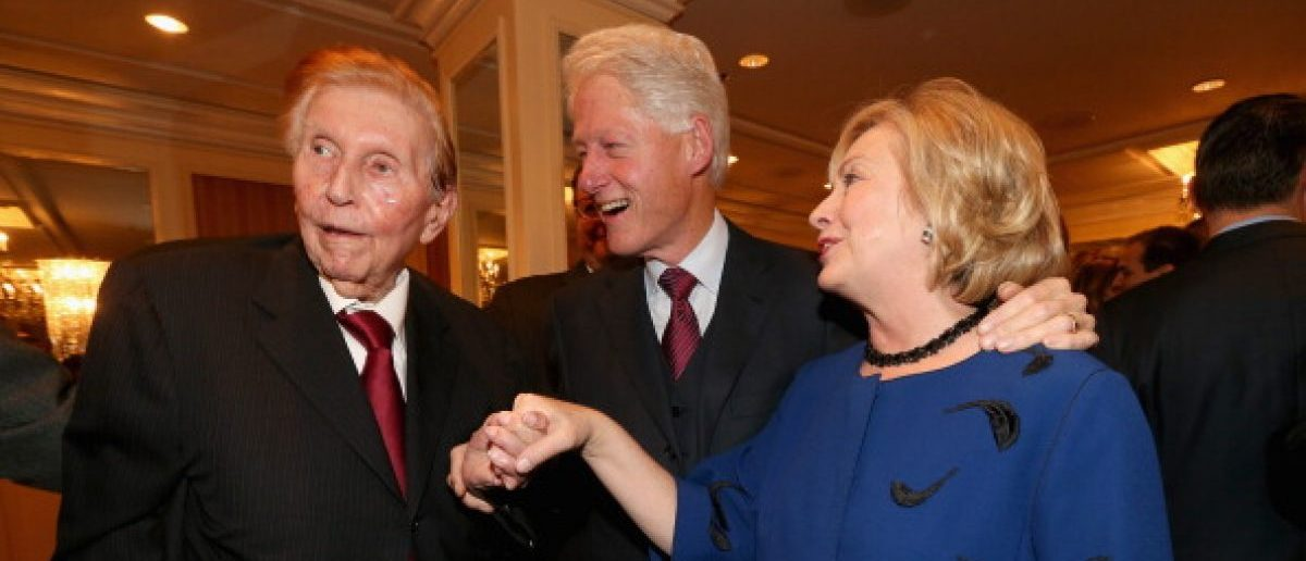 BEVERLY HILLS, CA - NOVEMBER 08: (L-R) Viacom/CBS Executive Chairman Sumner Redstone, former president Bill Clinton, and former Secretary of State Hillary Clinton attend International Medical Corps Annual Awards Celebration at Regent Beverly Wilshire Hotel on November 8, 2013 in Beverly Hills, California. (Photo by Christopher Polk/Getty Images for International Medical Corps)