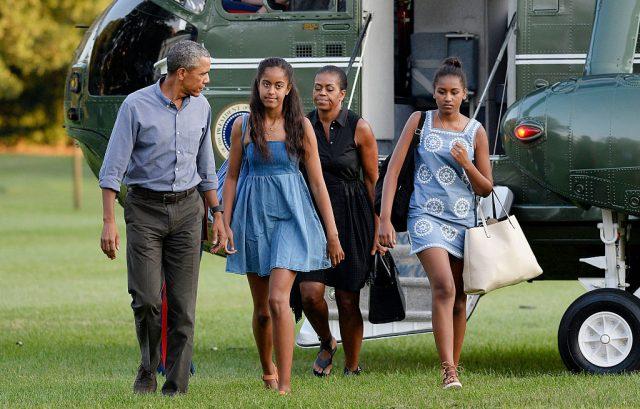 Obama's daughter Sasha got a job in seafood restaurant