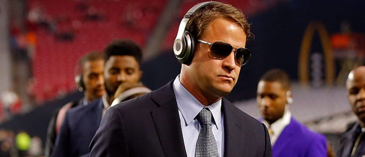 Offensive coordinator Lane Kiffin of the Alabama Crimson Tide walks on the field before the 2016 College Football Playoff National Championship Game at University of Phoenix Stadium on January 11, 2016 in Glendale, Arizona. (Photo by Kevin C. Cox/Getty Images)