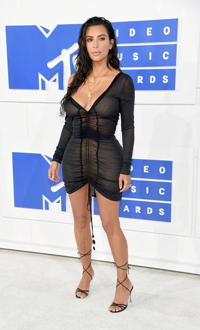 NEW YORK, NY - AUGUST 28: Kim Kardashian West attends the 2016 MTV Video Music Awards at Madison Square Garden on August 28, 2016 in New York City. (Photo by Jamie McCarthy/Getty Images)