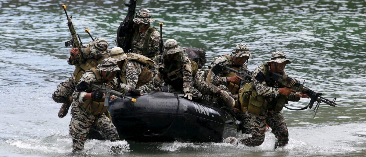 Members of the Naval Special Operations Group, an elite unit of the Philippine Marines, in Ternate, cavite city, south of Manila September 24, 2015. REUTERS/Romeo Ranoco