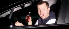 Drinking While Driving Photo:Shutterstock