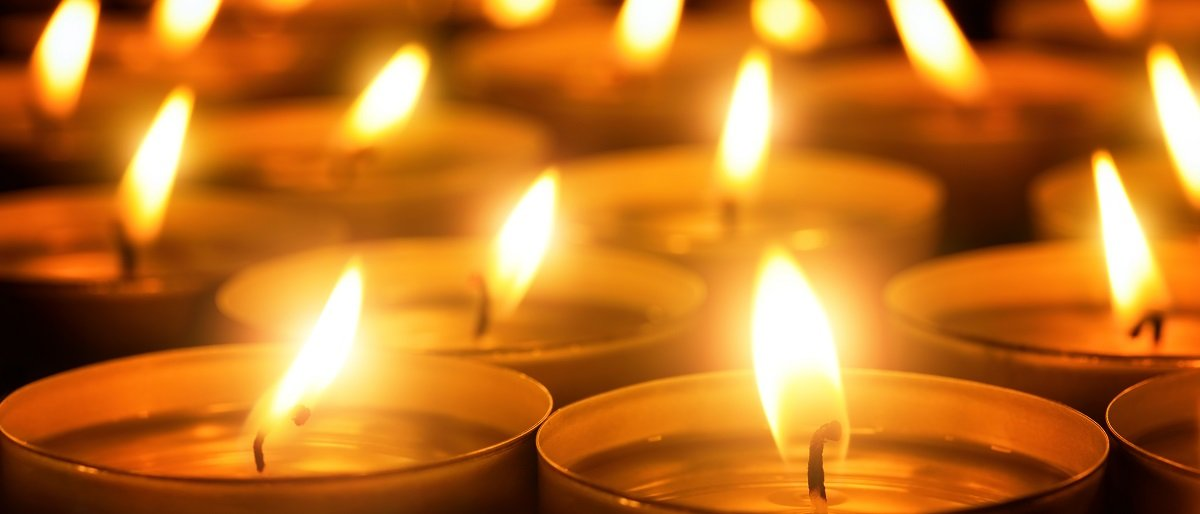 tragedy candles Shutterstock/Smileus