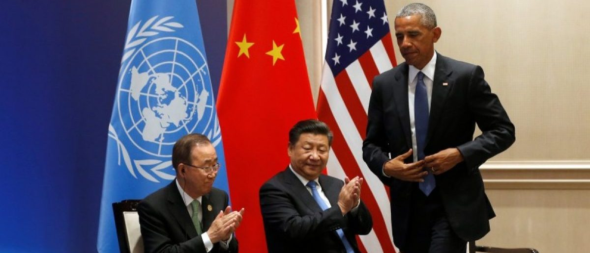 United Nations Secretary General Ban Ki Moon and China's President Xi Jinping applaud U.S. President Barack Obama as they participate in a climate event ahead of the G20 Summit, at West Lake State Guest Housee in Hangzhou, China September 3, 2016. REUTERS/Jonathan Ernst