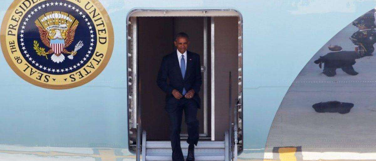 U.S. President Barack Obama arrives at Hangzhou Xiaoshan international airport before the G20 Summit in Hangzhou, Zhejiang province, China September 3, 2016.