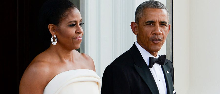 WASHINGTON, DC - AUGUST 02: President Barack Obama and first lady Michelle Obama await the arrival of Prime Minister Lee Hsien Loong and Madam Ho Ching at the North Portico of the White House August 2, 2016 in Washington, DC. The Obamas are hosting the prime minister and his wife for an official state dinner. (Photo by Leigh Vogel-Pool/Getty Images)
