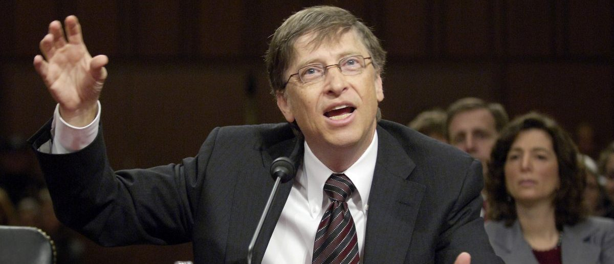 Microsoft Chairman Bill Gates addresses American competitiveness at a hearing of the Senate Health, Education, Labor and Pensions Committee on Capitol Hill Washington March 7, 2007. REUTERS/Jonathan Ernst (UNITED STATES) - RTR1N784