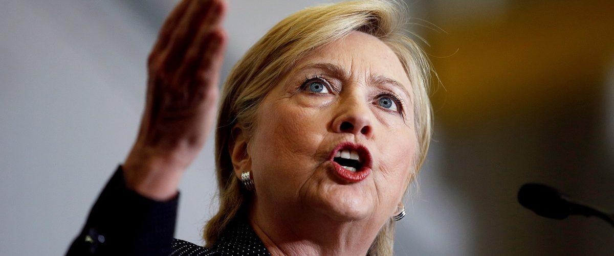 UU.S. Democratic presidential nominee Hillary Clinton speaks at Futuramic Tool & Engineering in Warren, Michigan August 11, 2016. REUTERS/Chris Keane.