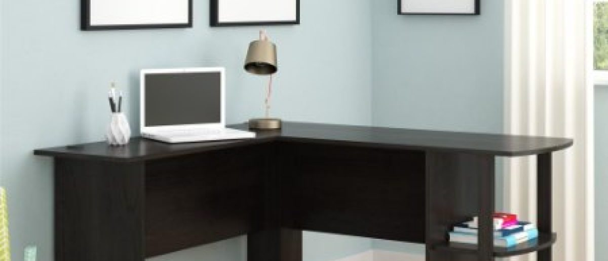 This desk is 45 percent off (Photo via Amazon)