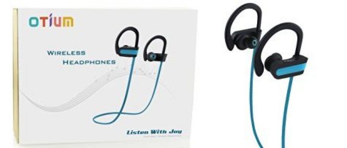 These headphones are $130 off (Photo via Amazon)