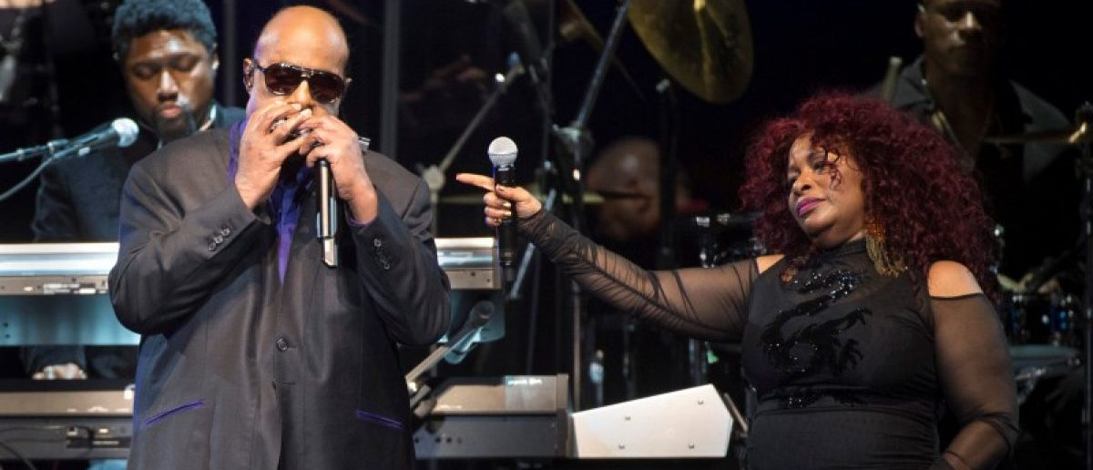 Chaka Khan and Stevie Wonder perform during a tribute to late musician Prince, at the Xcel Energy Center in St. Paul, Minnesota, U.S. October 13, 2016. REUTERS/Craig Lassig