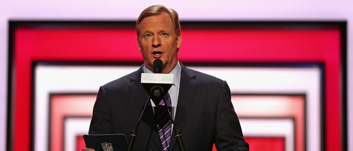 CHICAGO, IL - APRIL 28: Roger Goodell announces a draft pick during the 2016 NFL Draft at the Auditorium Theater. (Photo by Jonathan Daniel/Getty Images)