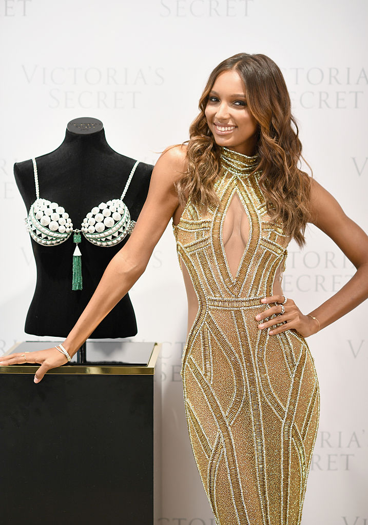 Victoria's Secret Angel Jasmine Tookes reveals the $3 Million 2016 Bright Night Fantasy Bra at Victoria's Secret, Fifth Ave on October 26, 2016 in New York City. (Photo credit: Getty Images)