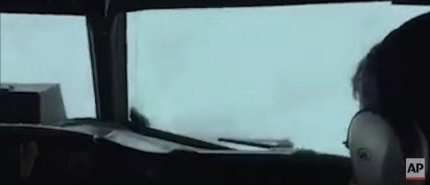 NOAA crew flies through Hurricane Matthew (YouTube)