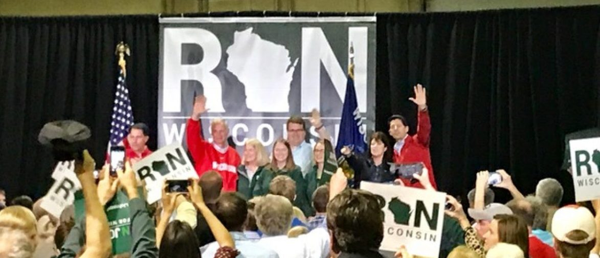 Wisconsin Sen. Ron Johnson, House Speaker Paul Ryan and Gov. Scott Walker attend a rally in Waukesha, Wisc. (Photo: Juliegrace Brufke/TheDCNF)