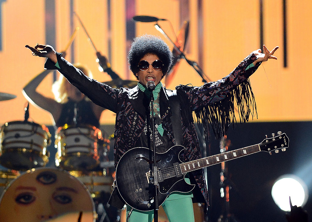 Prince performs onstage during the 2013 Billboard Music Awards. (Photo by Ethan Miller/Getty Images)