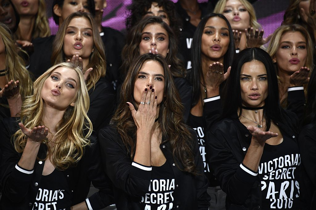 Victoria's Secret Angels pose during a photocall at the Grand Palais in Paris on November 28, 2016 ahead of the 2016 Victoria's Secret Fashion Show. (Photo credit: MARTIN BUREAU/AFP/Getty Images)
