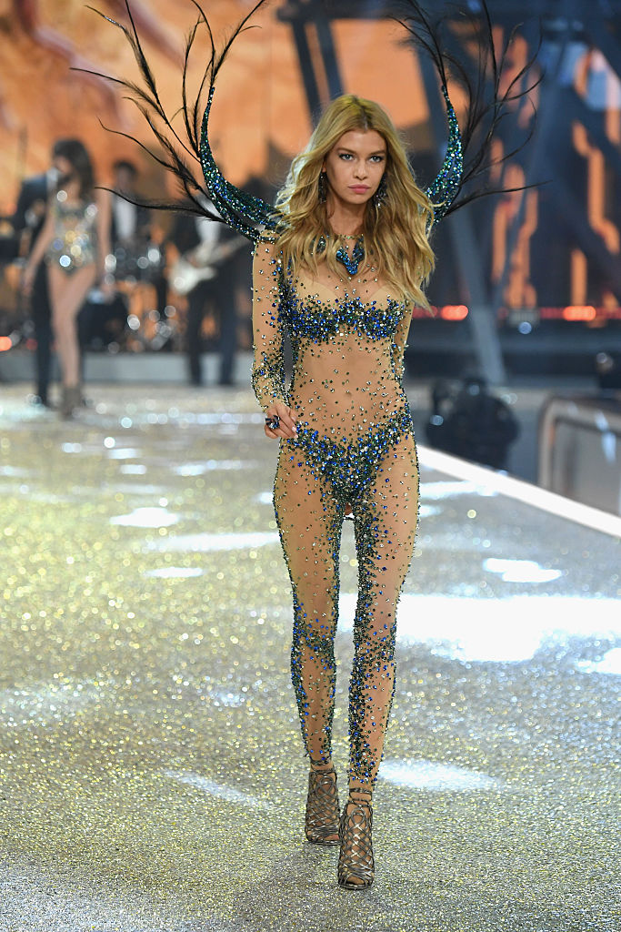 Stella Maxwell stunned all night long. (Photo credit: Getty Images)