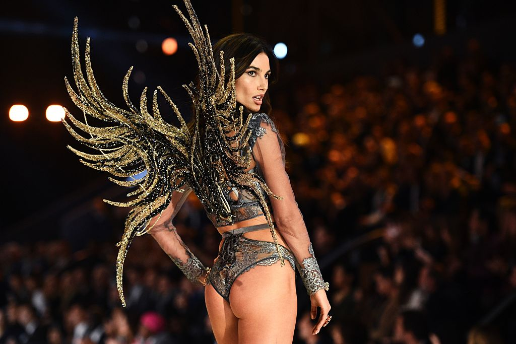 US model Lily Aldridge presents a creation during the 2016 Victoria's Secret Fashion Show at the Grand Palais in Paris on November 30, 2016. (Photo credit: MARTIN BUREAU/AFP/Getty Images)