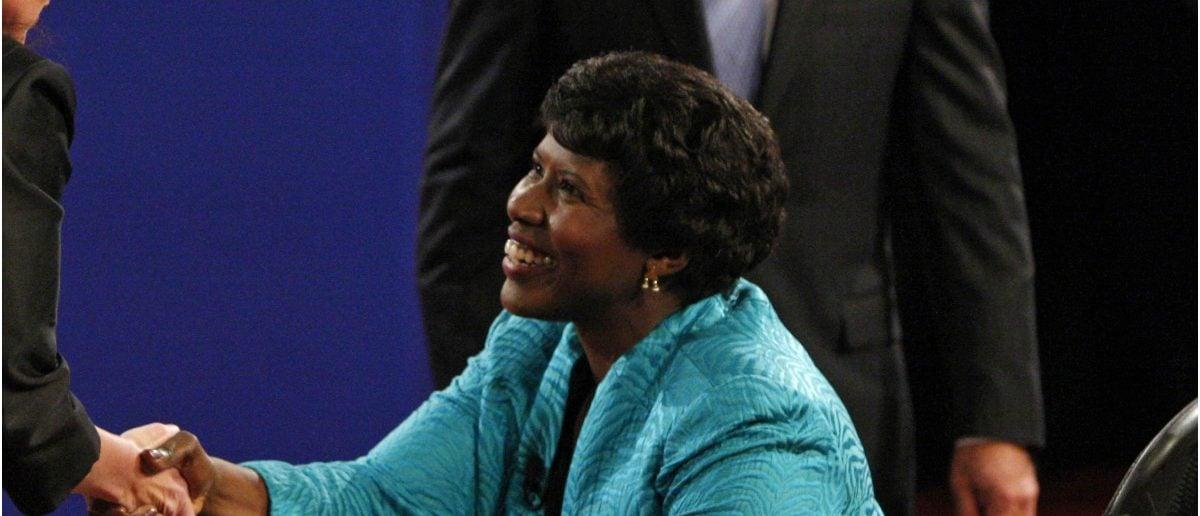 Gwen Ifill moderating 2008 VP Debate: Jim Young/Reuters