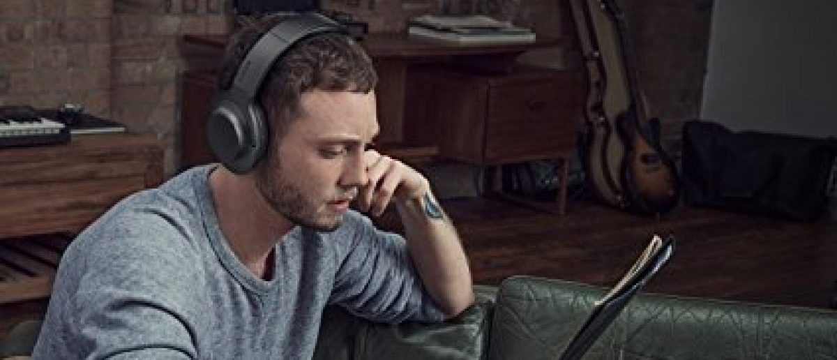 These headphones are on sale for Cyber Monday Deals Week (Photo via Amazon)