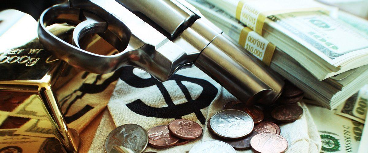 A successful bank robbery. Darren415/Shutterstock.