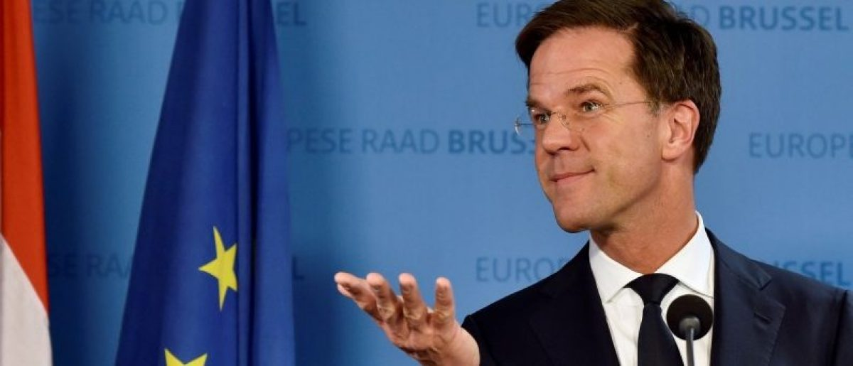 Netherlands' Prime Minister Mark Rutte holds a news conference during an EU Summit at the European Council headquarters in Brussels, Belgium December 15, 2016. REUTERS/Eric Vidal