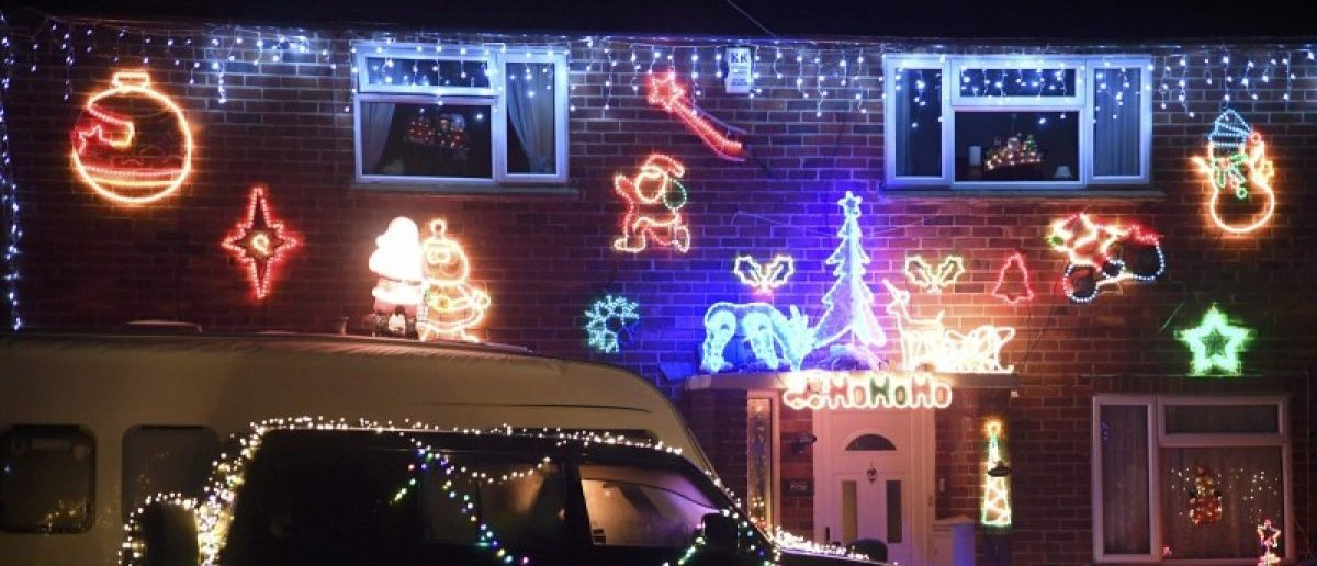 A home is decorated with a display of Christmas of lights in a tradition that has grown over recent years in the small village of Westfield in Sussex, south east England, December 15, 2016. Picture taken on December 15. REUTERS/Toby Melville
