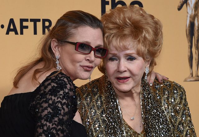 Carrie and her mother, Debbie Reynolds. (Photo: Ethan Miller/Getty Images)