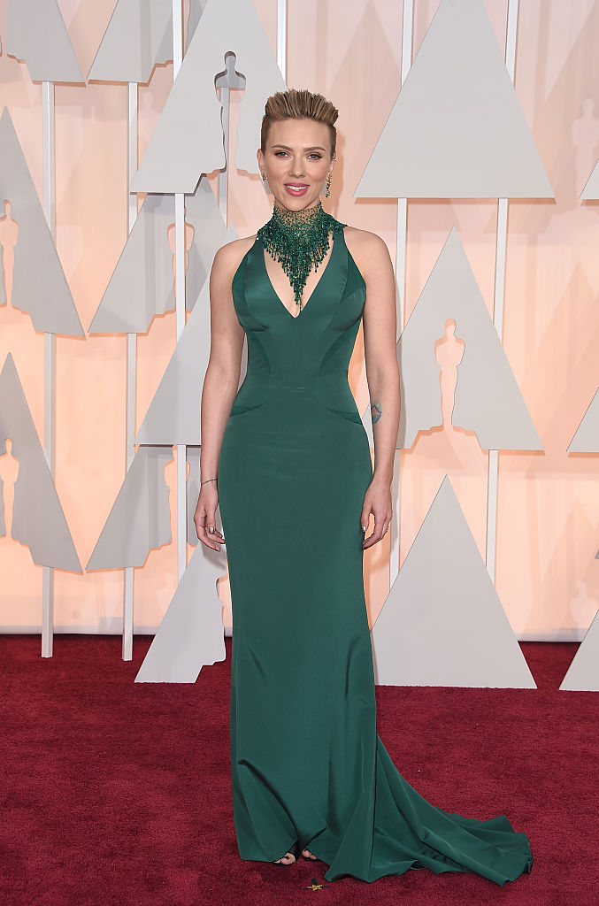 Actress Scarlett Johansson attends the 87th Annual Academy Awards at Hollywood & Highland Center on February 22, 2015 in Hollywood, California. (Photo by Jason Merritt/Getty Images)