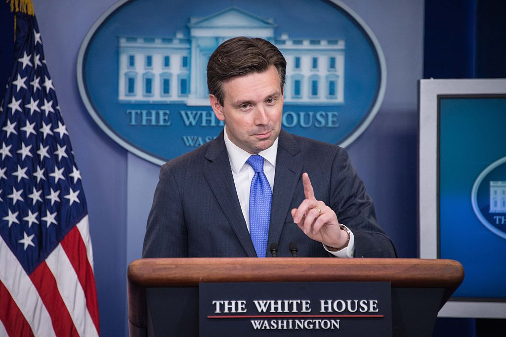 Josh Earnest (Getty Images)