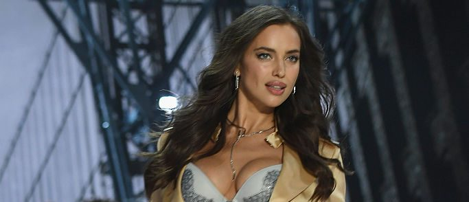 Irina walks the runway at the Victoria's Secret Fashion Show on November 30, 2016 in Paris, France. Photo credit: Getty Images)