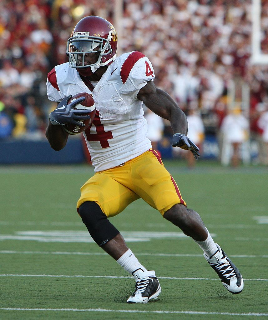 Joe McKnight #4 of the USC Trojans runs against the California Golden Bears at Memorial Stadium on October 3, 2009 in Berkeley, California. (Photo by Jed Jacobsohn/Getty Images)