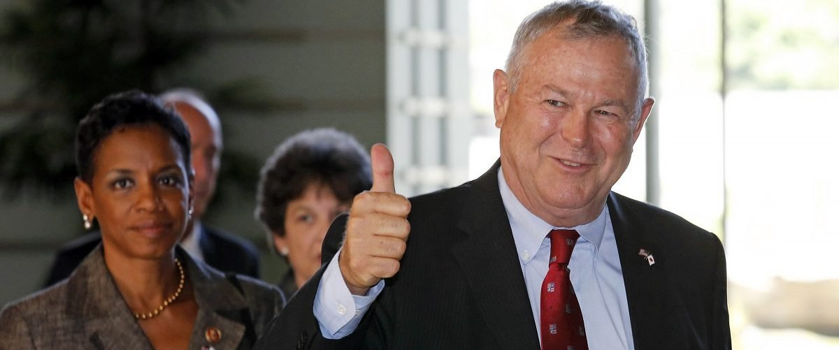 U.S. Representative Dana Rohrabacher (R-Ca) gestures as his U.S. Congressional delegation arrives to meet Japanese Prime Minister Shinzo Abe at the Prime Minister's official residence in Tokyo September 2, 2013. REUTERS/Shuji Kajiyama/Pool.