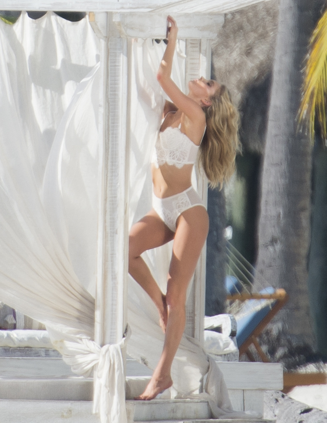 Victoria secret models are seen during a photo shooting on the beach in the Florida Keys. Top models Elsa Hosk, Romee Strijd and Stella Maxwell were showing there bodies in Victoria Secret's lingerie under the Florida sun. Pictured: Elsa Hosk Ref: SPL1411068 151216 Picture by: Splashnews Splash News and Pictures Los Angeles: 310-821-2666 New York: 212-619-2666 London: 870-934-2666 photodesk@splashnews.com