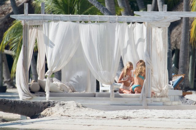 Victoria secret models are seen during a photo shooting on the beach in the Florida Keys. Top models Elsa Hosk, Romee Strijd and Stella Maxwell were showing there bodies in Victoria Secret's lingerie under the Florida sun. <P> Pictured: Elsa Hosk, Stella Maxwell, Romee Strijd <B>Ref: SPL1411068 151216 </B><BR /> Picture by: Splashnews<BR /> </P><P> <B>Splash News and Pictures</B><BR /> Los Angeles:310-821-2666<BR /> New York: 212-619-2666<BR /> London: 870-934-2666<BR /> photodesk@splashnews.com<BR /> </P>
