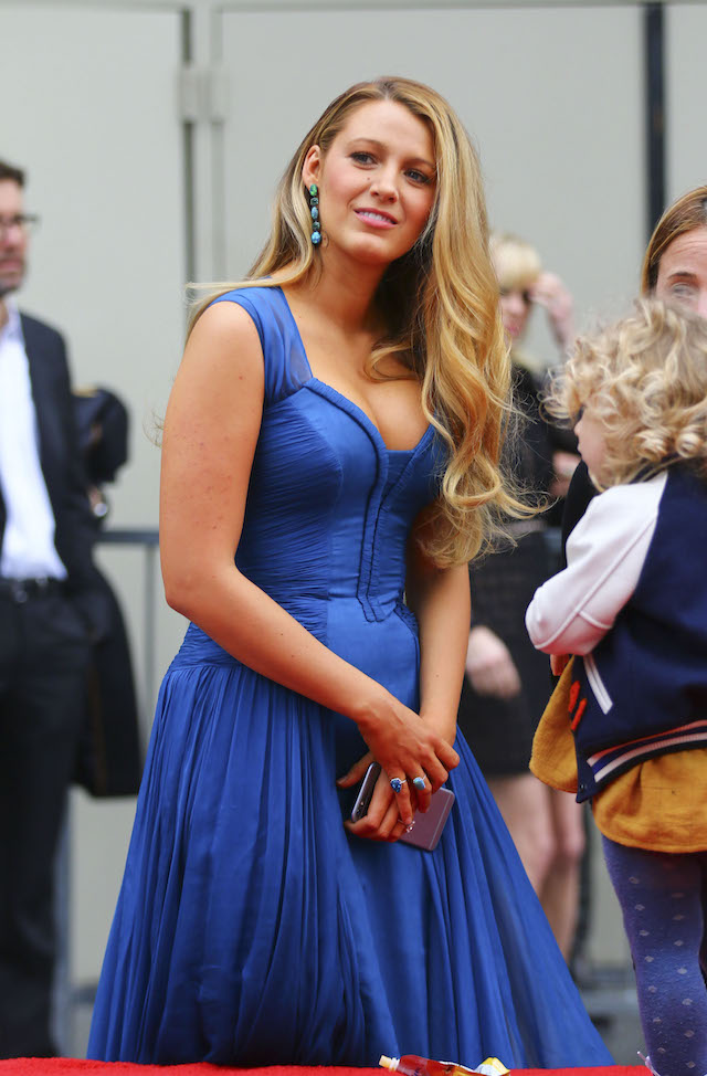 Ryan Reynolds, Blake Lively and their two children appeared in public together to honor the actor's newly minted Star on the Hollywood Walk of Fame. <P> Pictured: Blake Lively <B>Ref: SPL1411104 151216 </B><BR /> Picture by: ITM / Splash News<BR /> </P><P> <B>Splash News and Pictures</B><BR /> Los Angeles:310-821-2666<BR /> New York: 212-619-2666<BR /> London: 870-934-2666<BR /> photodesk@splashnews.com<BR /> </P>