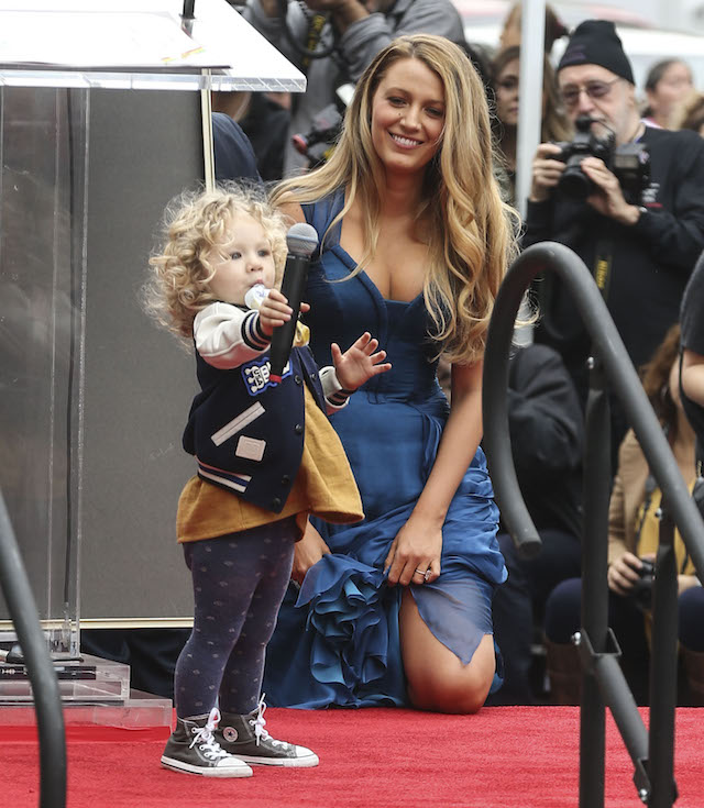 Blake Lively at Ryan Reynolds Hollywood star ceremony Pictured: Blake Lively Ref: SPL1411518 151216 Picture by: Splash News Splash News and Pictures Los Angeles:310-821-2666 New York: 212-619-2666 London: 870-934-2666 photodesk@splashnews.com