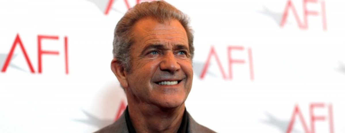 Actor Mel Gibson poses at the American Film Institute Awards in Los Angeles, California U.S., January 6, 2017. REUTERS/Mario Anzuoni