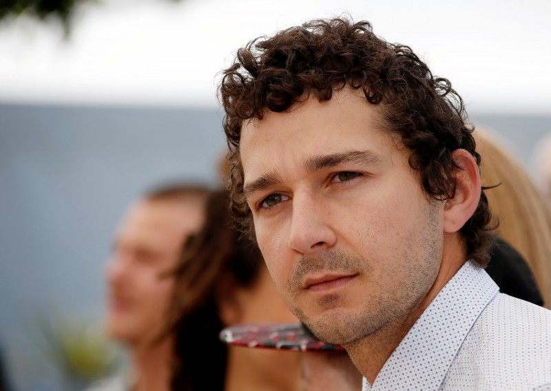 """FILE PHOTO: Cast member Shia LaBeouf poses during a photocall for the film """"American Honey"""" in competition at the 69th Cannes Film Festival in Cannes, France, May 15, 2016. REUTERS/Eric Gaillard/File Photo"""
