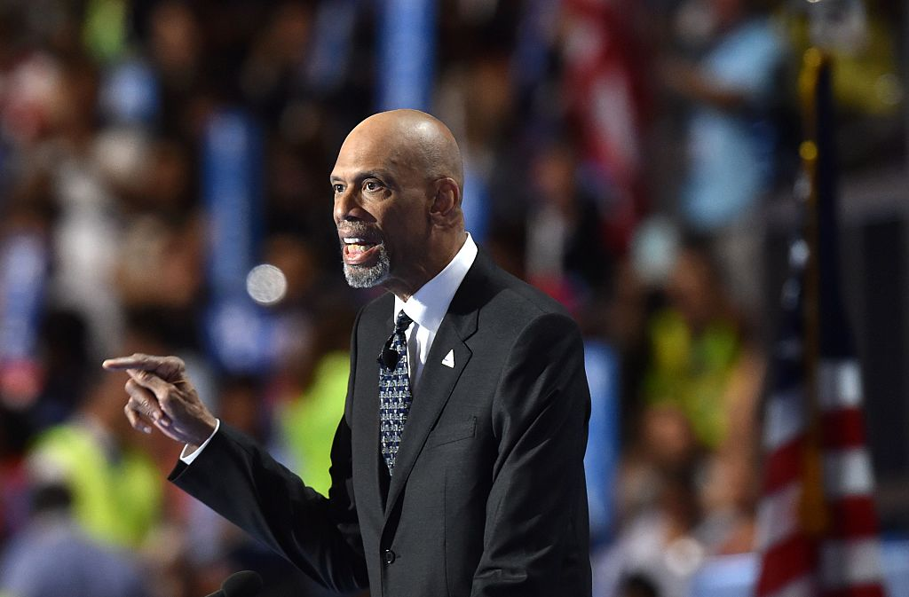 Kareem Abdul-Jabaar speaks on the fourth and final day of the Democratic National Convention at the Wells Fargo Center on July 28, 2016 in Philadelphia, Pennsylvania. / AFP / Nicholas Kamm (Photo credit should read NICHOLAS KAMM/AFP/Getty Images)