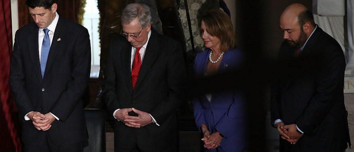 Congressional leadership praying September 21, 2016 in Washington, DC. Photo: Win McNamee /Getty