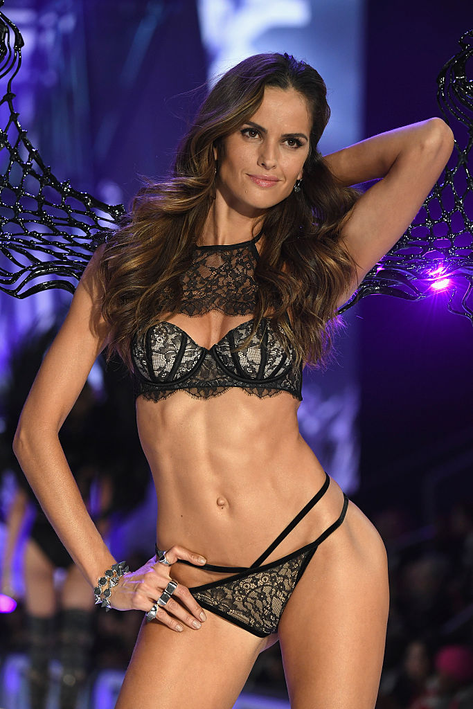 Izabel Goulart (Photo credit: Getty Images)