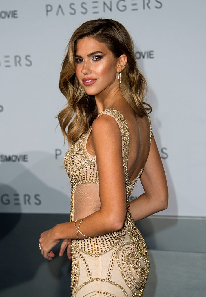 "Model Kara Del Toro attends the premiere of ""Passengers"" (Photo credit: VALERIE MACON/AFP/Getty Images)"