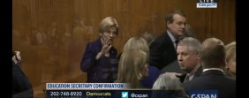 Sen. Warren Waves Off Handshake Attempt From Trump Education Sec. Nominee Betsy DeVos [VIDEO]