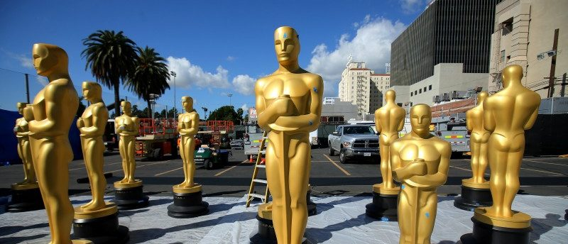 Oscar statues wait for a fresh coat of gold paint as preparations begin for the 89th Academy Awards in Hollywood, California, U.S., February 22, 2017. REUTERS/Mike Blake