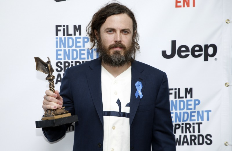 Actor Casey Affleck withdraws as 2018 Oscars award presenter