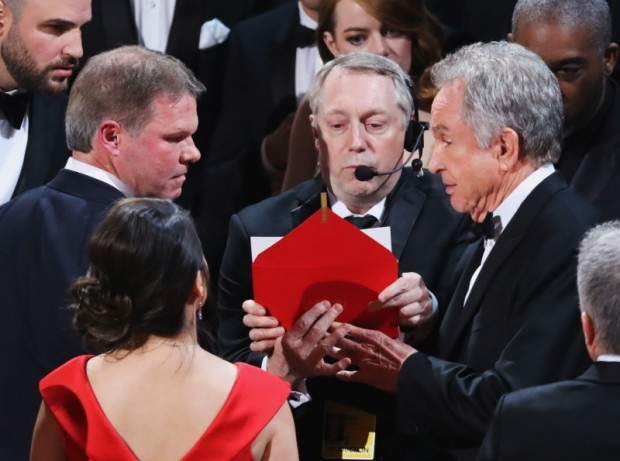 Warren Beatty looks on during presentation for Best Picture. REUTERS/Lucy Nicholson